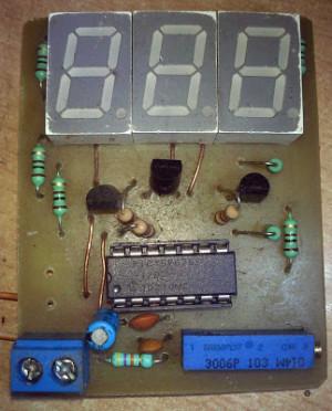 30 volts Panel Volt Meter Using PIC MCU