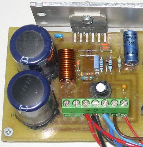 Vahvistin National Semiconductorin LM3886