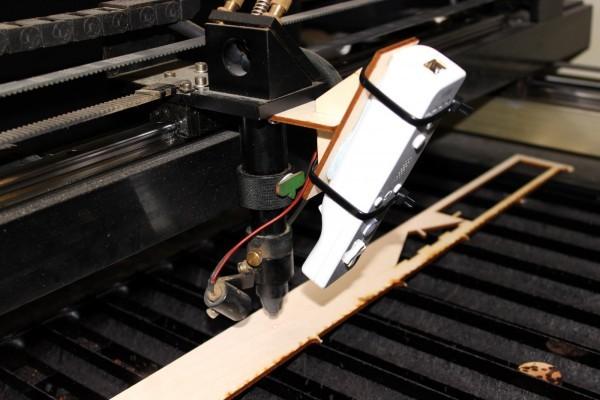 Continuous Autofocus laser cutter hack