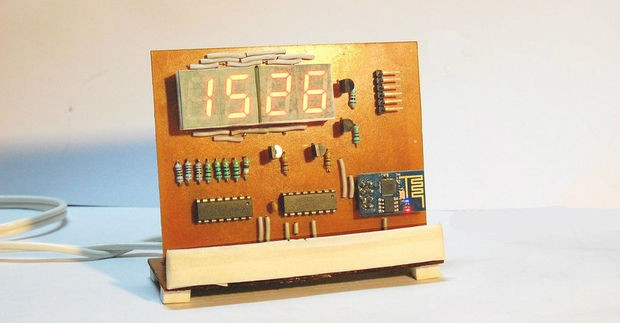 ESP8266 Desktop Clock – WiFi Synchronised