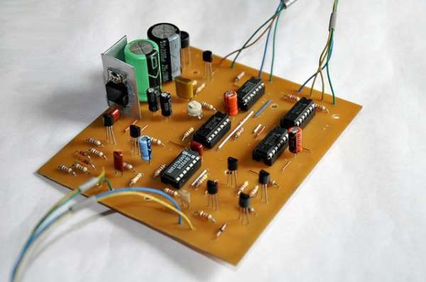Modified Heathkit HD-1410 electronic keyer