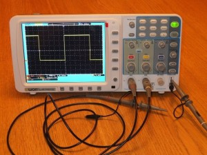 Hacking the OWON SDS7102 Scope
