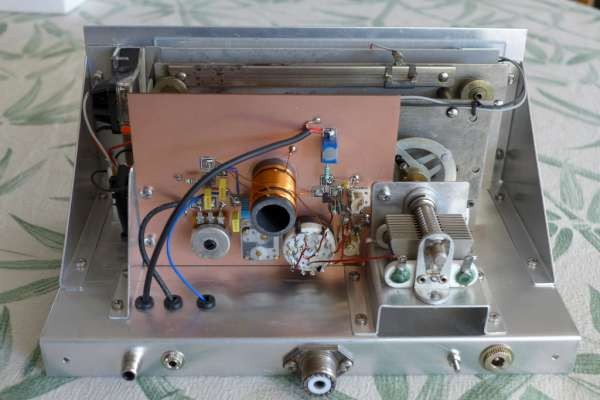 Georges F6DFZ's very stylish homebrew version of the Scout Regen receiver