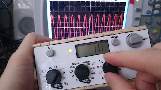 Maker creates a fun waveform generator with Arduino