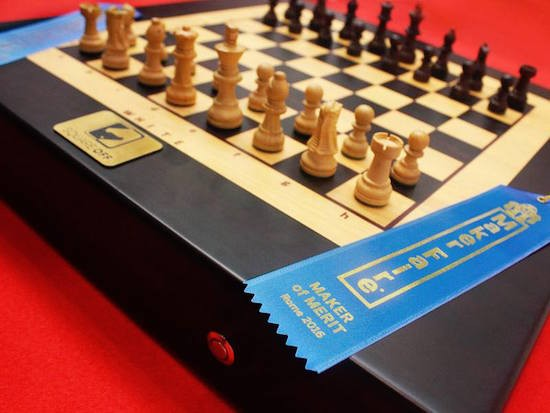 Square Off is a chess board with a high-tech twist 3