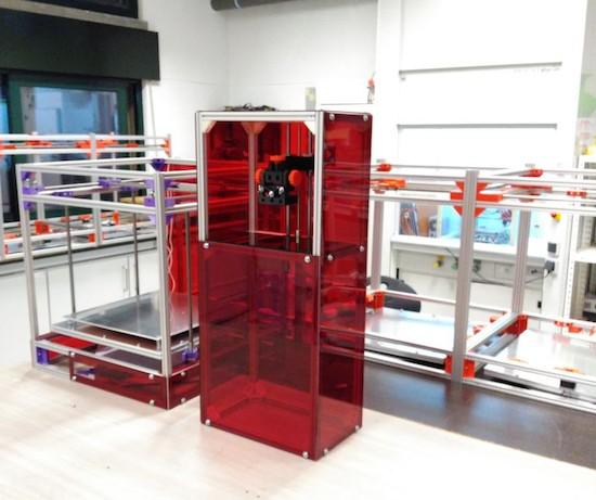 RooBee One is an open-source SLA/DLP 3D printer 3