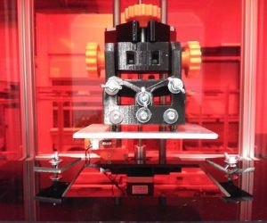 RooBee One is an open-source SLA/DLP 3D printer