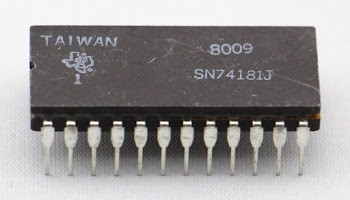 The 74181 ALU chip in a ceramic package.