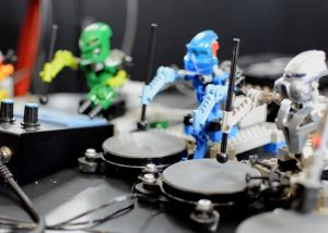 A tiny orchestra of Lego Robots driven by Arduino