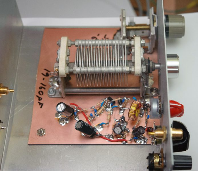 Build an AM, CW and SSB Regenerative Receiver for Amateur Radio