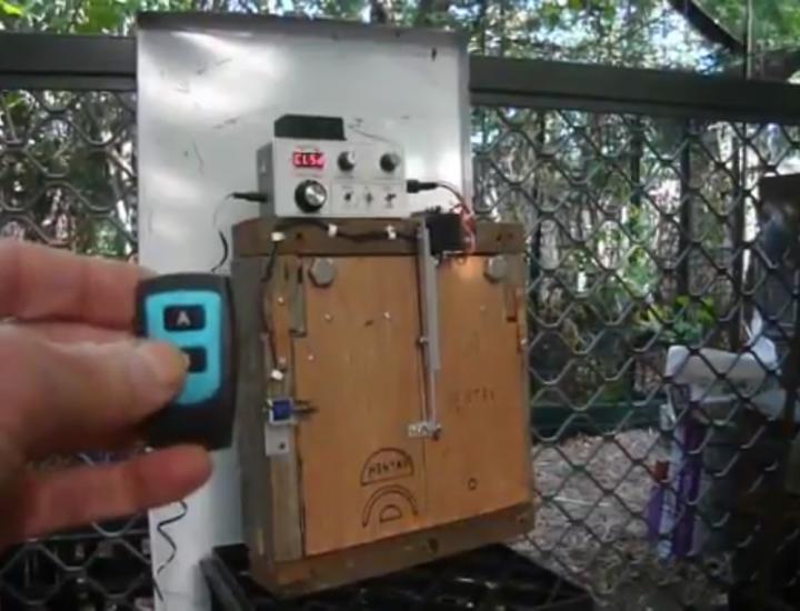 Automatic Chicken Coop door with Arduino